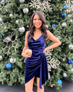 With only 5 days left until we ring in the New Year, I'm sharing 11 stylish holiday outfit ideas! Winter Fashion Outfits, Holiday Fashion, Autumn Winter Fashion, Winter Style, Holiday Party Outfit, Holiday Outfits, Nye Outfits, Fashion Group, Fashion 2020