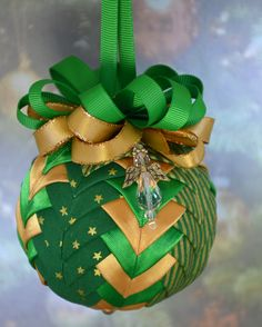 No Sew Quilted Ornament - Green and Gold with angel charm
