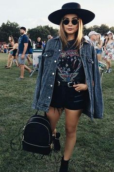 Looks Lollapalooza 2018 - Ideias de Looks - Outfit festival hippie boho - Festival Grunge Outfits, Rave Outfits, Edgy Outfits, Summer Outfits, Cochella Outfits, Festival Looks, Festival Mode, Festival Wear, Festival Style
