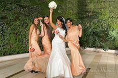 Ramo Novia / Bride Bouquet / Ideas Matrimonio / Wedding ideas / Damas de honor / Bridesmaid Bridesmaid Dresses, Wedding Dresses, Bride Bouquets, Ideas, Fashion, Wedding Bouquets, Bridesmaids, Boyfriends, Bridesmade Dresses