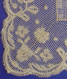 IT Antique Lace, Vintage Lace, Lace Making, Bobbin Lace, Kids Rugs, Quilts, Blanket, Antiques, Inspiration