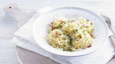 Superromige spaghetti carbonara-AH Pasta Carbonara Recept, Spaghetti Carbonara Recipe, Risotto, Pasta Recipes, Dinner Recipes, Creamy Spaghetti, Macaroni Pasta, Italy Food, Savoury Dishes
