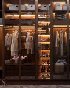 Closet feminino: 60 propostas para organizar as roupas com estilo - stylish clothes Organiser Son Dressing, Armoire Dressing, Dressing Room Closet, Dressing Room Design, Wardrobe Room, Wardrobe Design Bedroom, Glass Wardrobe, Walk In Closet Design, Closet Designs