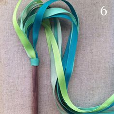 DIY: Streamer Wand Tutorial. I'm thinking about using this for a 4th of July camping project for the kiddos