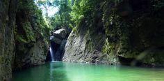 La fémina participaba junto a familiares en una excursión al Cañón de San Cristóbal cuando voluntariamente decidió saltar al río.