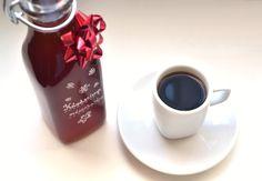 Mézeskalácsos kávészirup recept Mugs, Tableware, Cookies, Christmas, Crack Crackers, Dinnerware, Biscuits, Navidad, Cups