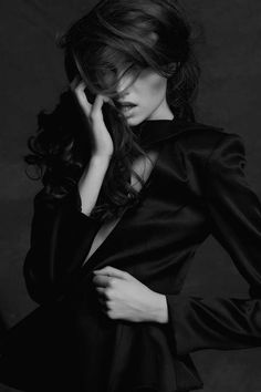 Edgy Bewitching Editorials - The Cicely Telman 'So Chic' Shoot is Dark and Eclectic | Editorial - Portrait - Fashion - Photography - Black and White - Pose Idea / Inspiration