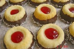 Kokosmürbchen 1 Thumbprint Cookies Recipe, Cheesecake, Winter Desserts, Christmas Sweets, Christmas Christmas, Four, Shortbread, Cookie Recipes, Food And Drink