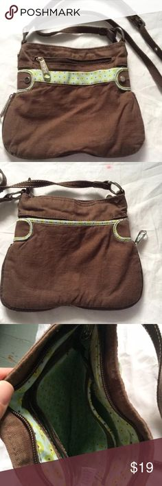 ⭐️NEW ITEM⭐️THIRTY ONE crossbody THIRTY ONE CROSSBODY BAG RETRO METRO COLLECTION BROWN BAG WITH FLORAL ACCENT ADJUSTABLE STRAP LOTS OF POCKETS EXCELLENT CONDITION thirty one Bags Crossbody Bags