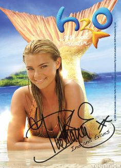 Indiana Evans plays Bella on H2O