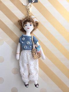 ハンドメイドマーケット minne(ミンネ)| デニムとレースパンツの女の子 バッグチャーム