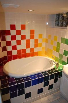 34 different shades of hand-painted tiles for a Rainbow Bathroom. Kids Bath, Bathroom Kids, Bathroom Tiling, Bathtub Tile, Design Bathroom, Washroom, Bathroom Remodeling, Bathroom Interior, Small Bathroom