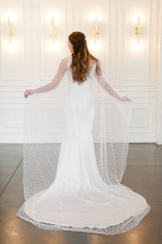 Modern Marble Weddin Modern Marble Wedding Inspiration With A Pearl Bridal Cape Roots of Life Photography 50 Bridal Looks, Bridal Style, Wedding Trends, Wedding Styles, Wedding Ideas, Wedding Details, Wedding Planning, Bridal Cape, Blush Dresses