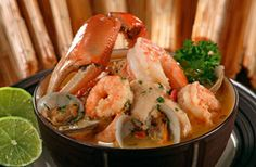 sopa marinera or seafood stew Seafood Soup Recipes, Easy Soup Recipes, Healthy Recipes, Seafood Stew, Amish Recipes, Dutch Recipes, Kitchen Recipes, Cooking Recipes, Dominican Food
