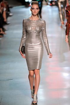 Paco Rabanne Spring 2012 Ready-to-Wear Fashion Show - Hanna Rundlof