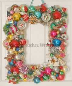 our tutorial and 30 tips to make your own vintage christmas ornament wreath - Vintage Christmas Ornaments