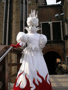 "Fire and Earth (hot and cold) - ""Fire and Ice"" costume by Eddie Garou, via Flickr"