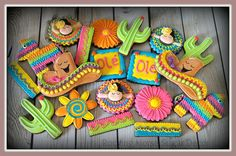 Cinco de Mayo by Rocking Horse Sugar Cookies Cookie Connection Cut Out Cookies, Cute Cookies, Cupcake Cookies, Sugar Cookies, Cupcakes, Iced Cookies, Mexican Cookies, Ri Happy, Fiesta Cake