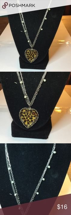 """Betsey Johnson necklace Ex.cond. measures 11"""" Betsey Johnson Jewelry"""