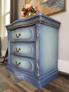 Blue Painted Furniture, Painted Chairs, Chalk Paint Furniture, Refurbished Furniture, Colorful Furniture, Furniture Projects, Furniture Makeover, Diy Furniture, Painted Side Tables