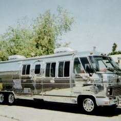 Want this….Shiny Airstream Motorhome…