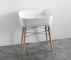 ray bathroom ceramic washbasin by michael hilgers - designboom | architecture & design magazine