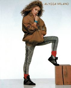Alyssa looking stylish in a brown bomber jacket and black denim jeans from 1987 Japanese Privacy magazine. 1980s Fashion Trends, 80s Trends, 80s And 90s Fashion, Seinfeld, Alicia Milano, Allyssa Milano, Brown Bomber Jacket, Punk Looks, Stewart