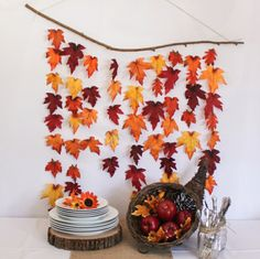 Girlande aus bunten Blättern Herbst Wanddeko