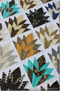 Close up of Cleopatra's Fan quilt. This is an interesting fan shape...