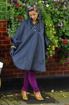 Bobbin Wax Cotton Cape - Navy - my new cycle cape. Styling out a soaking on a bike is hard - this will help!