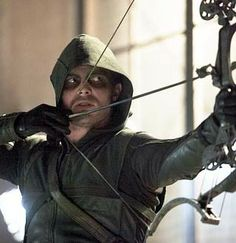 """Arrow - 2x07 - """"State vs Queen"""" - Stephen Amell as Oliver Queen/The Arrow"""