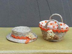 Sombrero y cesta campestres