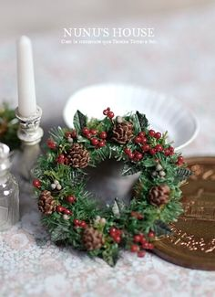 classic style Christmas wreath in 1/12 scale Z
