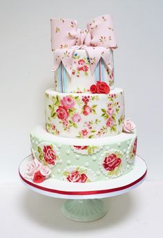 Pretty Hand Painted Roses on Tiered Cake