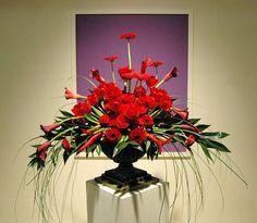 Class 103 - Pedestal: Individual Design Entries at the 2008 Philadelphia Flower Show