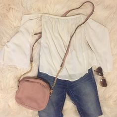 Light pink Cross-body bag with gold chain detail Worn once or twice, in like new condition! Adorable color and very functional. Mossimo Supply Co Bags Crossbody Bags