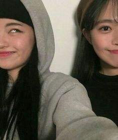 Alessa Hwang and Sam Choi pre debut Ulzzang Korean Girl, Ulzzang Couple, Cute Couple Pictures, Bff Pictures, Korean Best Friends, Girl Friendship, Korean People, Girl Couple, Uzzlang Girl