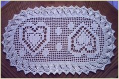 crochet placemat with hearts
