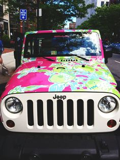 A Lilly Pulitzer Jeep?!  I WOULD JUST DIE :)