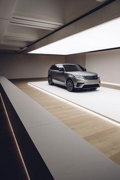 Hier sind Live-Fotos von New Range Rover Velar Dream Garage, Car Garage, Garage Design, House Design, Yvoire, Architecture Design, Modern Garage, Garage Interior, Garage Lighting