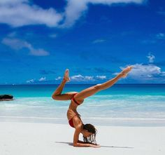 to find the Right Yoga Bolsters A dream place to do your yoga.She is phenomenally fit.A dream place to do your yoga.She is phenomenally fit. Yoga Photos, Yoga Pictures, Yoga Meditation, Simple Meditation, Yoga Flow, Poses Gimnásticas, Body Pilates, Fotos Strand, Photo Yoga