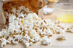 I've seen this before and still love it! A Brilliant idea! Homemade Microwave Popcorn via #ClosetCooking