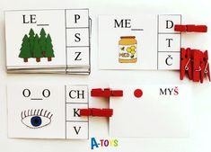 sada 24 zalaminovaných kartiček s obrázkem a neúplným slovem. Úkolem je přiřadit ke slovu správné chybějící písmeno a označit jej kolíčkem. Na zadní straně kartičky si pak dítě může ověřit, zda odpovědělo správně (barevné kolečko ukazuje svým umístěním správnou ... Mickey Coloring Pages, Montessori, Diy And Crafts, Alphabet, Kindergarten, Education, Learning, Games, Holiday Decor