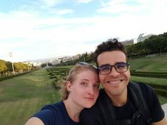 ferias-na-europa_casal_viajndo-bem-e-barato