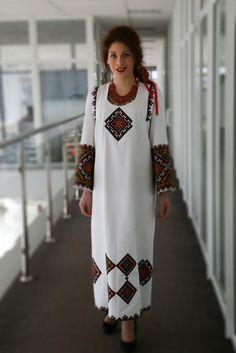 Украина, от Ирины – U K R A I N I A N embroidery , National outfits and lt's elements 2 Ethnic Fashion, Hijab Fashion, Fashion Dresses, Womens Fashion, Traditional Fashion, Traditional Dresses, Ukrainian Dress, Embroidered Clothes, Designer Dresses