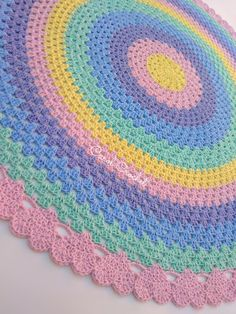 How to Knit Fruit Citrus Slices with Free Pattern + Video - Her Crochet Crochet Carpet, Crochet Home, Diy Crochet, Crochet Crafts, Crochet Baby, Crochet Projects, Crochet Rug Patterns, Crochet Designs, Crochet Stitches