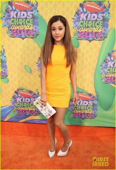 Ariana Grande, in Aiisha Ramadan, attends Nickelodeon's Annual Kids' Choice Awards held at USC Galen Center on March 2014 in Los Angeles, California. (Photo by Mark Davis/Getty Images) Kids' Choice Awards Best Dressed Cutest Outfits On KCAs' Red Carpet Ariana Grande Fotos, Ariana Grande Legs, Kids Choice Awards 2014, Kids Awards, Ariana Grande Nickelodeon, Nickelodeon Girls, Nickelodeon Cartoons, Star Wars, Red Carpet Looks