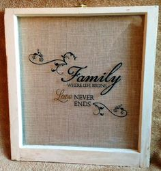 Old Window Frame with burlap in the back. Will make with Joyeux Noel and add christmas items on top Antique Windows, Vintage Windows, Old Windows, Window Pane Decor, Window Art, Window Panes, Window Ideas, Old Window Projects, Diy Projects