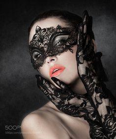 Fotografia Black Mask de Joachim Bergauer na Beautiful Mask, Beautiful Women, Venice Mask, Photographie Portrait Inspiration, Mask Girl, Lace Mask, Hidden Beauty, Carnival Masks, Venetian Masks