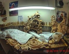 Творческий беспорядок WhatsApp+79261969358, email: afanasy.kutin@gmail.com #ПосадИзограф #резьбаподереву #резьба #art #wood #woodcarving #carving #artcarving #дизайн #интерьер #шедевры #dubai #gold #искусство #work #design #beauty #interior #making #decor #эксклюзив #exclusive #church #сергиевпосад #москва #moscow #russia #handmade #artworks#instagood Acanthus, Wood Carvings, Moulding, Versailles, Altar, Hand Carved, Projects To Try, Lion Sculpture, Statue
